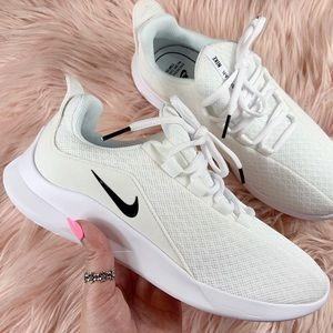 New Nike Women's Viale Running Sneakers